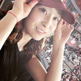 ◆佐藤あり紗、地元仙台で楽天の試合を観戦…姉との2ショットにも反響「似過ぎー!!美人姉妹!!」◆