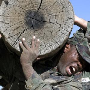 アメリカ海軍特殊部隊「 SEALs」から学ぶ、生き残るための投資術「初心者向け・S&P500」