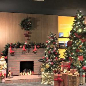 ホテル日航成田でクリスマス気分を味わう!暖炉まわりデコレーションは必見!