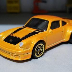 PORSCHE TURBO RSR TYPE934 (Hot WHeels)