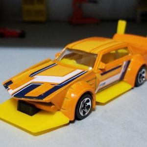 マッド・マンガ / 日産 KHC130 ローレル SGX (Hot Wheels)