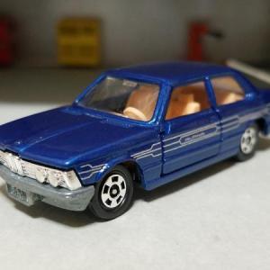 BMW E21 320i / ALPINA C1 2.3 (トミカ)