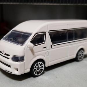 トヨタ TRH224W ハイエース コミューター タイ仕様 (MAJORETTE)