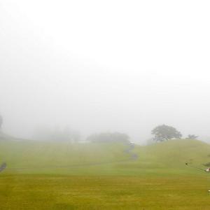 R20 霧の向こうは・・ at 塩屋崎CC