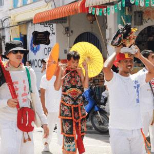 タイの奇祭中の奇祭 菜食祭り (ベジタリアン·フェスティバル)|かかって来なさい!タイランド