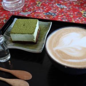 プラカノンにあるカスタムメイドケーキが作れる和風スタイルカフェ「OKURIMONO CAFE」|かかって来なさい!タイランド