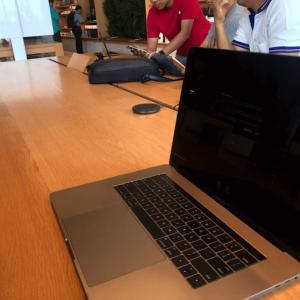 バンコクでMacBook ProをApple Storeで修理 かかって来なさい!タイランド