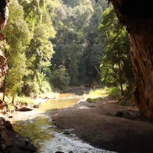 タイ北部の桃源郷 パーイ「Lod Cave」 真っ暗な巨大な洞窟をイカダで探検 かかって来なさい!タイランド