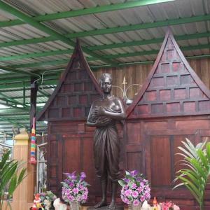 ワット・マハーブット タイ人に有名なパワースポット寺|かかって来なさい!タイランド