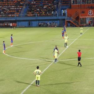 バンコク サッカー PORT FCを久しぶりに応援しに|かかって来なさい!タイランド