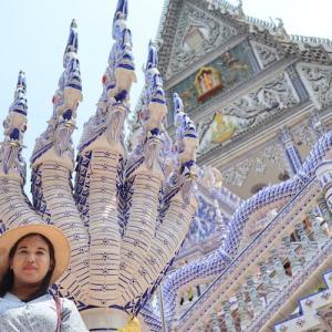 チャンタブリーにある美しい青いお寺 Wat Pak Nam Khaem Nu かかって来なさい!タイランド