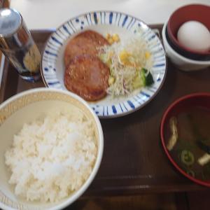 粗挽きソーセージ朝食3枚盛(すき家)