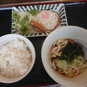 目玉焼き朝定食(山田うどん食堂)