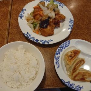 バーミヤンの日替わり定食「鶏肉と野菜の甘酢炒め定食」(バーミヤン)