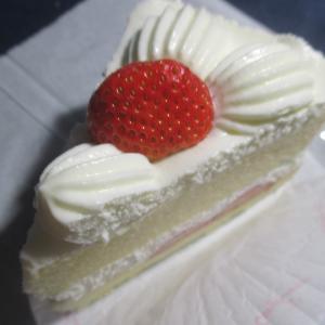 頂き物のイチゴショートケーキ(銀座コージーコナー)