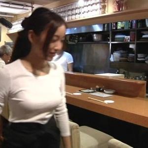 【画像】巨乳JK店員が店内で乳晒し炎上wwwwwwwwww