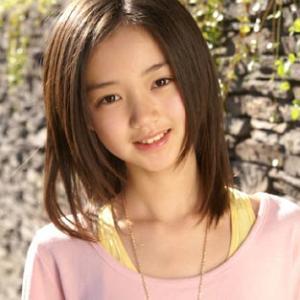 【画像】女子小学生モデル、スタイルが良すぎてランドセル姿に違和感wwww
