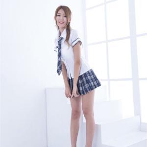 【画像】制服を脱いだ女子高生、ただのババアwwwww