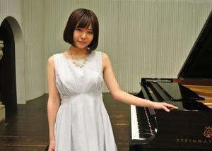 【画像】エロいピアノおばさん なんかもうよくわからないwwwww