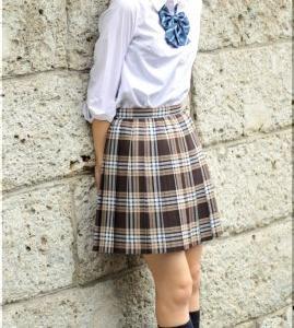 【画像】女子小中学生が撮影会の後、ホテルでお楽しみ中の写真を投稿wwww