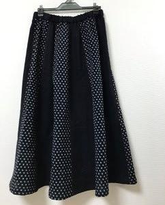 11月2日 雪ん子と藍無地のフレアギャザースカート
