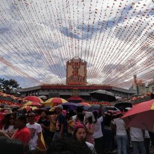 フィリピン最大級の祭りシヌログ祭りに行って来ました。
