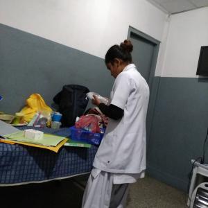 """悲痛!コロナ罹患の姉。続報なし。心配な""""ダメ看護師が多いネパール。"""