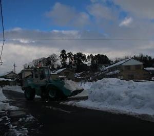 若杉町内の除雪進む。