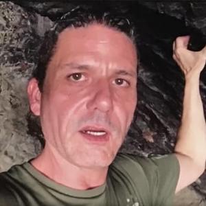 コーリー・グッド/洞窟内でのブリーフィング・アップデート