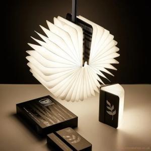 【ギフトにもおススメ】日本未入荷デザイン Lumio ルミオ ブック型ランプがとにかくオシャレ。