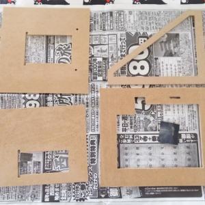 ニコニコ邸の壁を塗る 『DIY ハウスキット 作り ①』