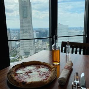 THE YOKOHAMA BAYS 46階無料展望フロアのレストラン
