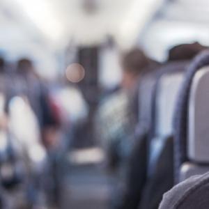 飛行機内の【最新・快適・有益】な暇つぶし9選!退屈とはサヨナラ!