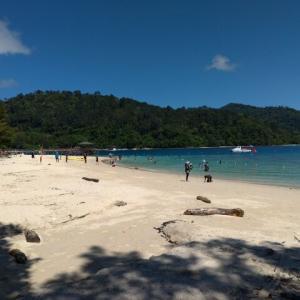コタキナバルで一番きれいなビーチのあるサピ島に行ってみた【コタキナバル旅行記8】