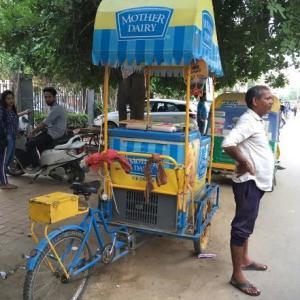 インドのアイス Mother Dairy を食べ比べ!