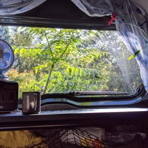 車中泊用のテーブルを化粧板とイレクターパイプだけで作る