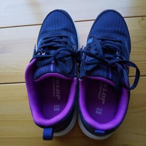 運動靴を買いました