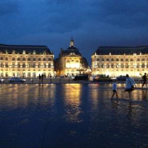 【街一帯が世界遺産/月の港 ボルドー】古い史跡が馴染む都会!美しさはパリ以上?散策ポイントを一挙見せます!