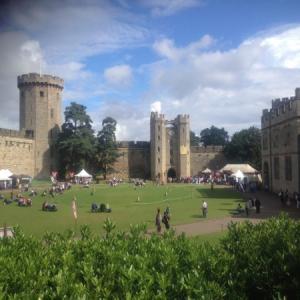 【イングランド/ウォーリック城】中世〜近世の人に会える11世紀の城!お子さんも楽しい演出でタイムスリップ!