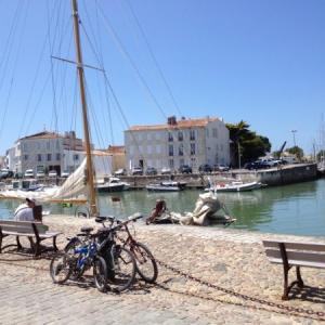 【フランス/ラ・ロシェル&レ島】美しさ大西洋一?!中世の塔や要塞が残る街並み!美しい島をレンタサイクルで!