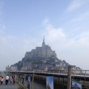 【モン・サン=ミシェル】一度は訪れたい世界遺産の老舗!中世フランスの凄みを感じるスケール感。