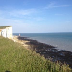 【セブン・シスターズ】白亜の断崖絶壁と海が美しい!イングランド南部の絶景スポット