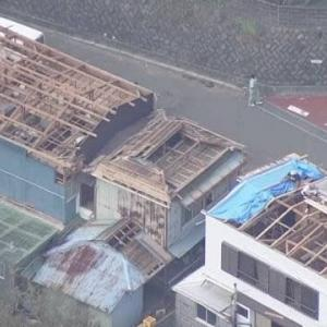"【nhk news web】   9月17日18:39分、""""東京 島しょ部 大島町や新島村を中心に992棟の住宅に被害"""""