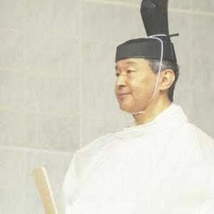"【nhk news web】    10月22日10:43分、""""天皇陛下 宮中三殿で儀式"""""