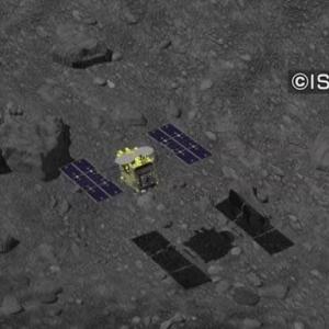 "【nhk news web】    11月12日16:29分、""""「はやぶさ2」あす小惑星出発 来年末ごろ地球帰還へ"""""
