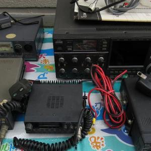 閉局予定の市内OMから無線機等を譲渡いただきました