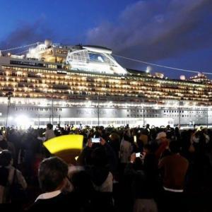 横浜はさらに繁盛客船寄港多数