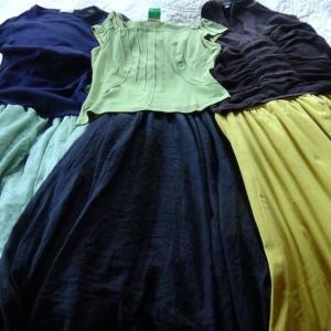 50代女性におすすめ!KAREIのお洋服はリーズナブルでおしゃれ!素敵な色のマキシ丈のスカート。YouTubeあり!