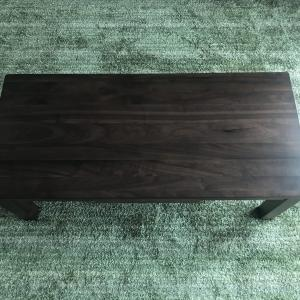 リビングのセンターテーブルはシンプルで引き出し付きが便利で良い!