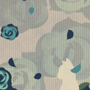 【スマホ用壁紙】たたずむ猫とバラの花ブルー